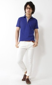 ホワイトクロップドパンツ×ロイヤルブルーポロシャツ