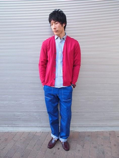 赤カーディガン×青パンツ