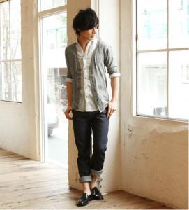 サマーニット×麻シャツ