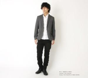テーラードジャケット×白シャツ×黒パンツ