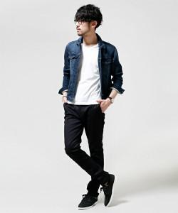 Gジャン×黒の細身パンツ