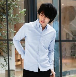 ライトブルーのシャツ 冬