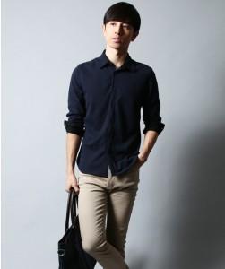 ブラックのシャツ コーディネート
