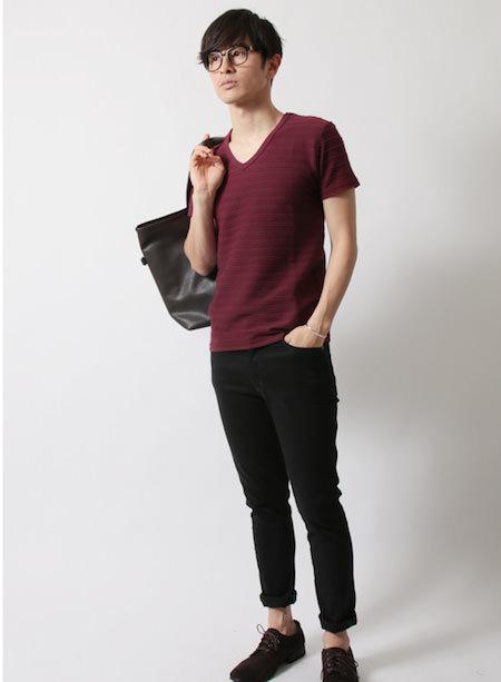 ボルドーのTシャツ メンズ