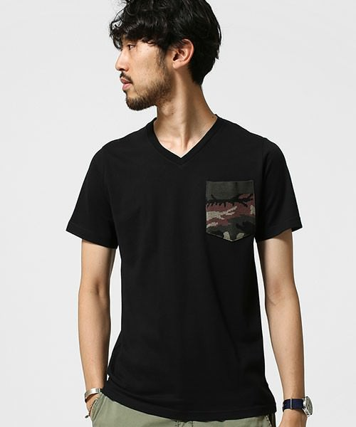 Tシャツ 大学生