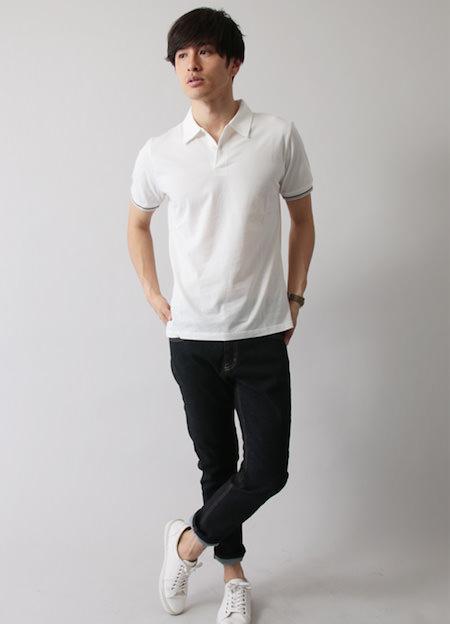 白のポロシャツ×デニムクロップドパンツ