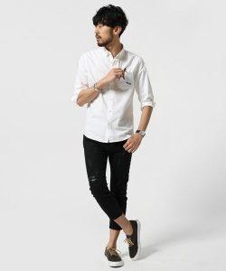 白のリネンシャツ メンズファッション