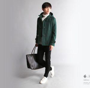 緑のダッフルコート×黒のスキニーパンツ