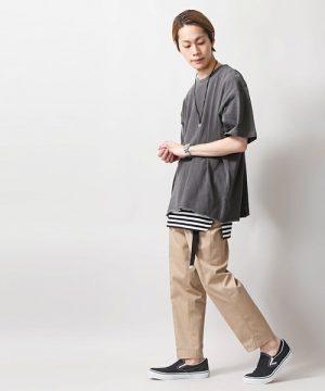 ビッグシルエットTシャツ×ベージュのガウチョパンツ