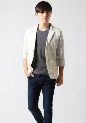 サマージャケット×グレーのTシャツ