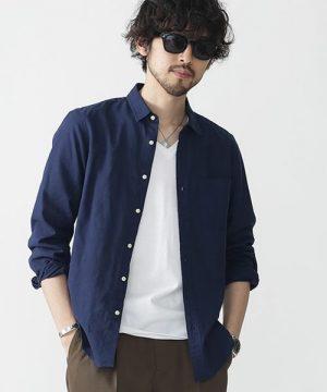 ネイビーのシャツ 夏コーデ