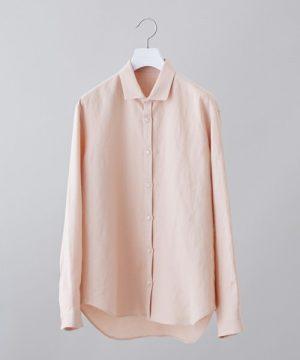 ピンクの麻シャツ 着こなし