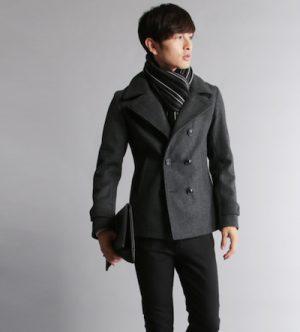 グレーのPコート マフラーの色
