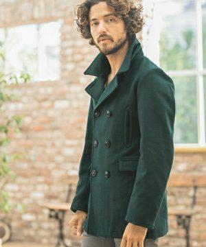 グリーンのPコート 冬