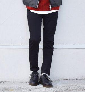 黒のスキニーパンツ メンズ ブランド