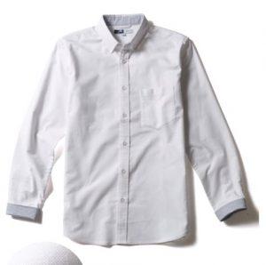 無地のシャツ 4000円