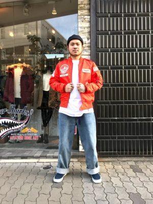 オレンジのフライトジャケット メンズファッション