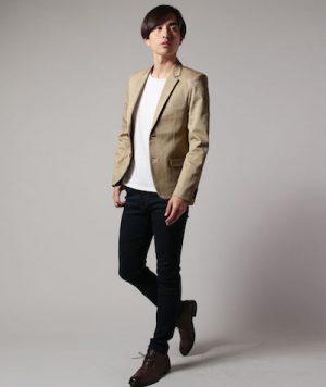 ベージュのジャケット 春のメンズファッション