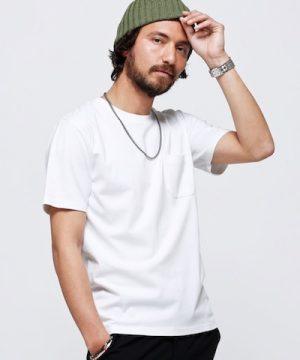 白の無地クルーネックTシャツ