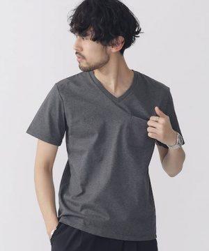 グレーの無地VネックTシャツ